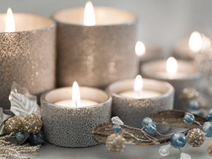 belle-bougie-de-noel-couronne-de-noel-hiver-inspiration-bougies-argentee-noel